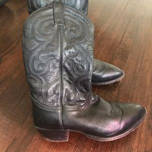 TONY LAMA Black Leather CZ820 Western Boots